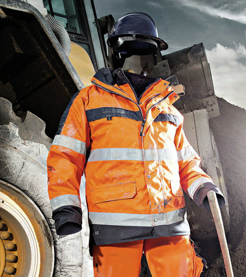 EN471 certified high-visibility workwear.