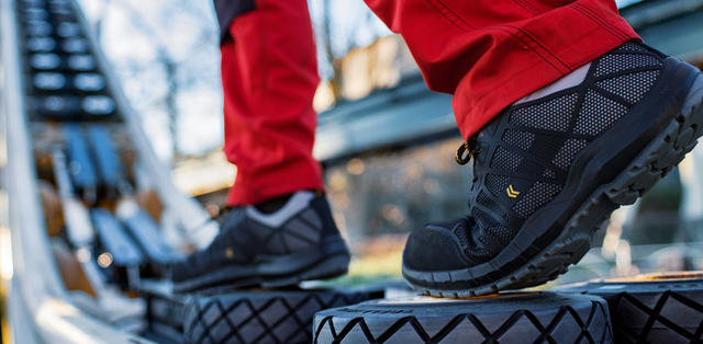 DASSY   	The new DASSY® NOX S3 safety shoes are not only light, supple and comfortable to wear, but also offer your feet superior protection at every step