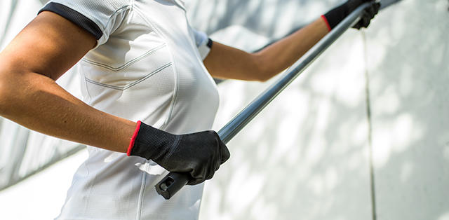 DASSY   	The new, complete range of white/anthracite grey workwear does not only offer men a perfect fit. Most items are also available with an adapted female fit, perfectly tailored to the needs of the female professional.